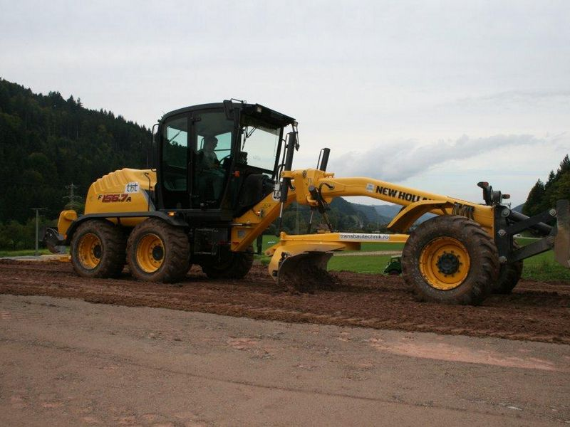 Gredere New Holland F156 vand